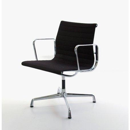 Eames EA108 stoel zwarte hopsak chroom Vitra 1984