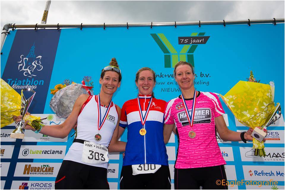 Marleen Honkoop wint zilver op het NK halve triathlon