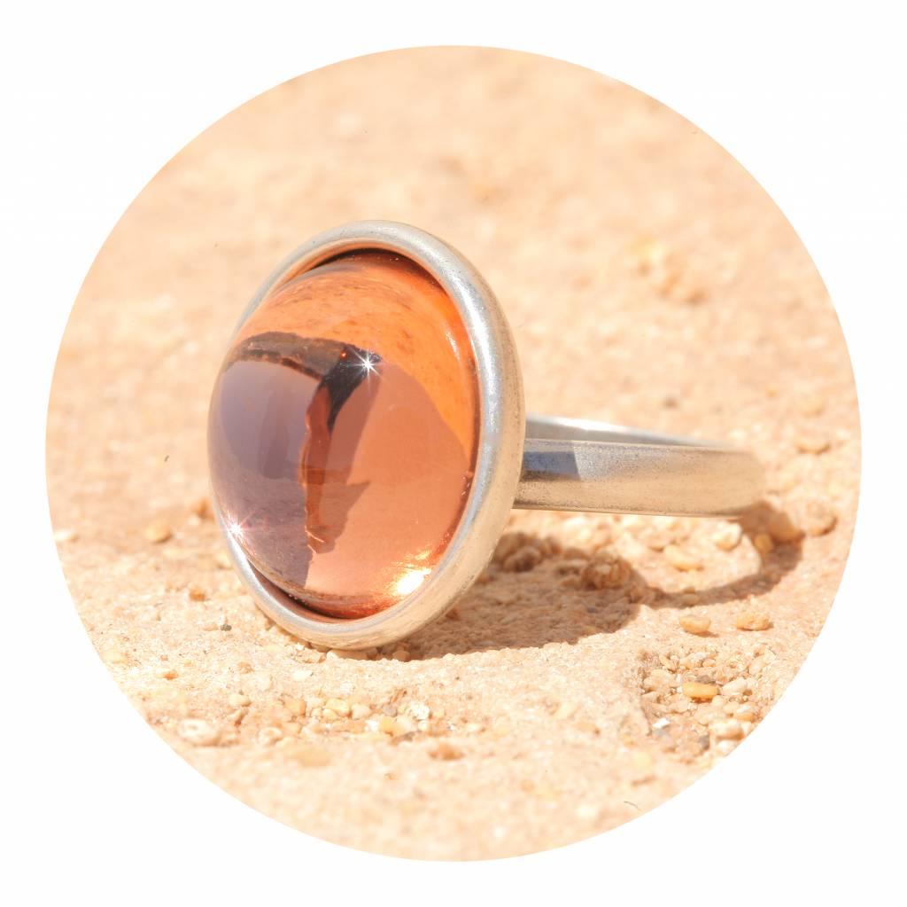 artjany Ring mit einem Cabochon in rosepeach