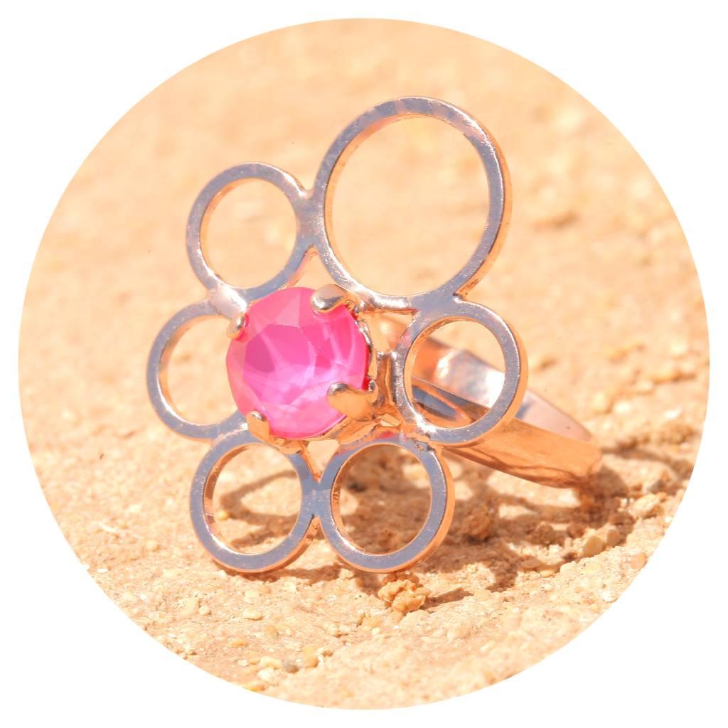 artjany Ring mit einem Kristall in peony pink