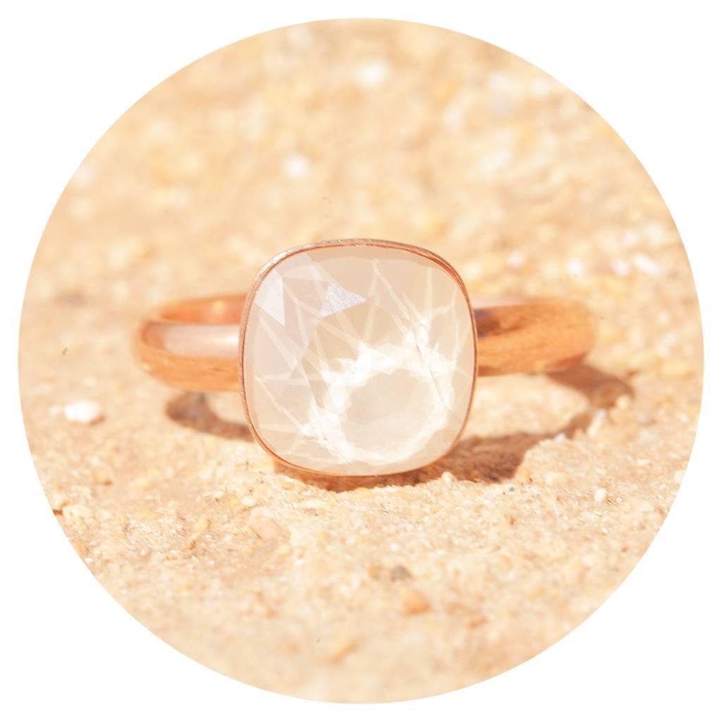artjany Ring mit einem Kristall in royal ivory
