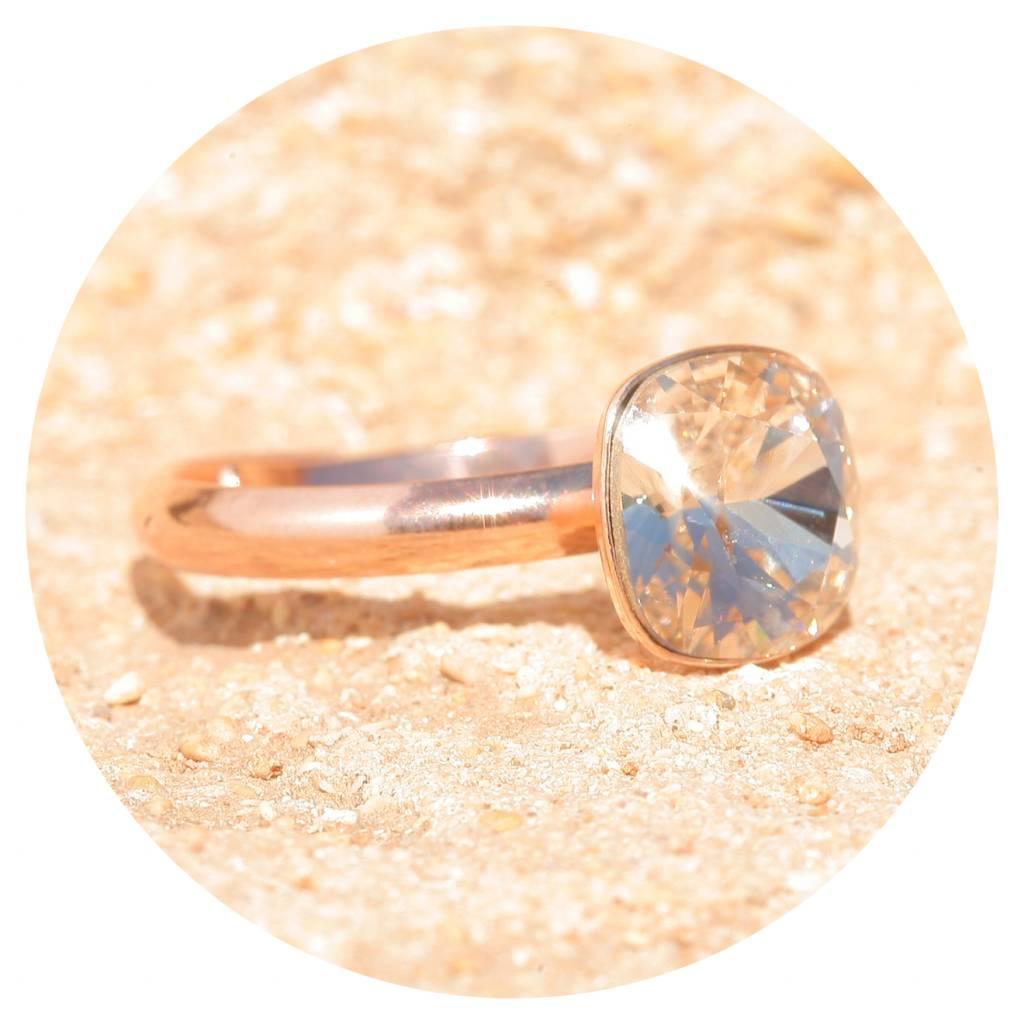 artjany Ring mit einem Kristall in silk
