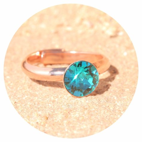 artjany Ring mit einem crystal in indicolite