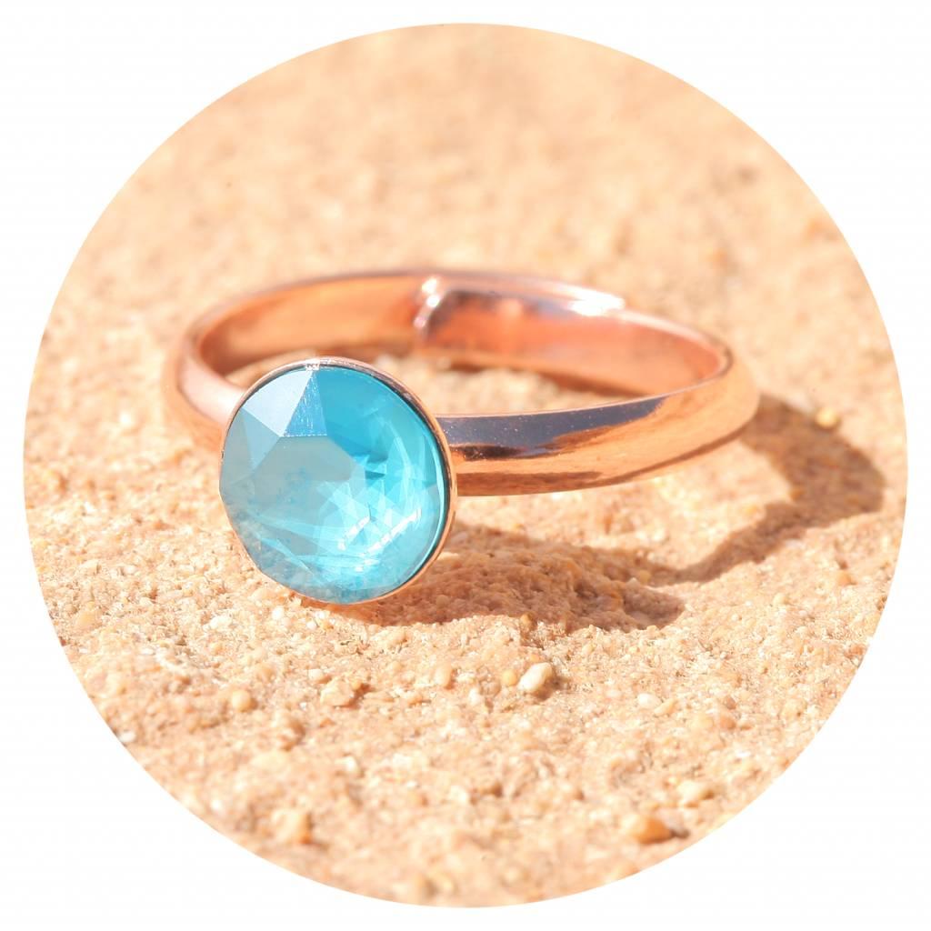 artjany Ring mit einem crystal in azure blue