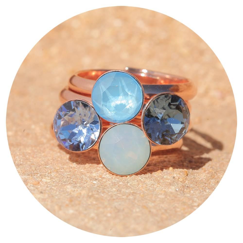 artjany Ring mit einem crystal in summer blue