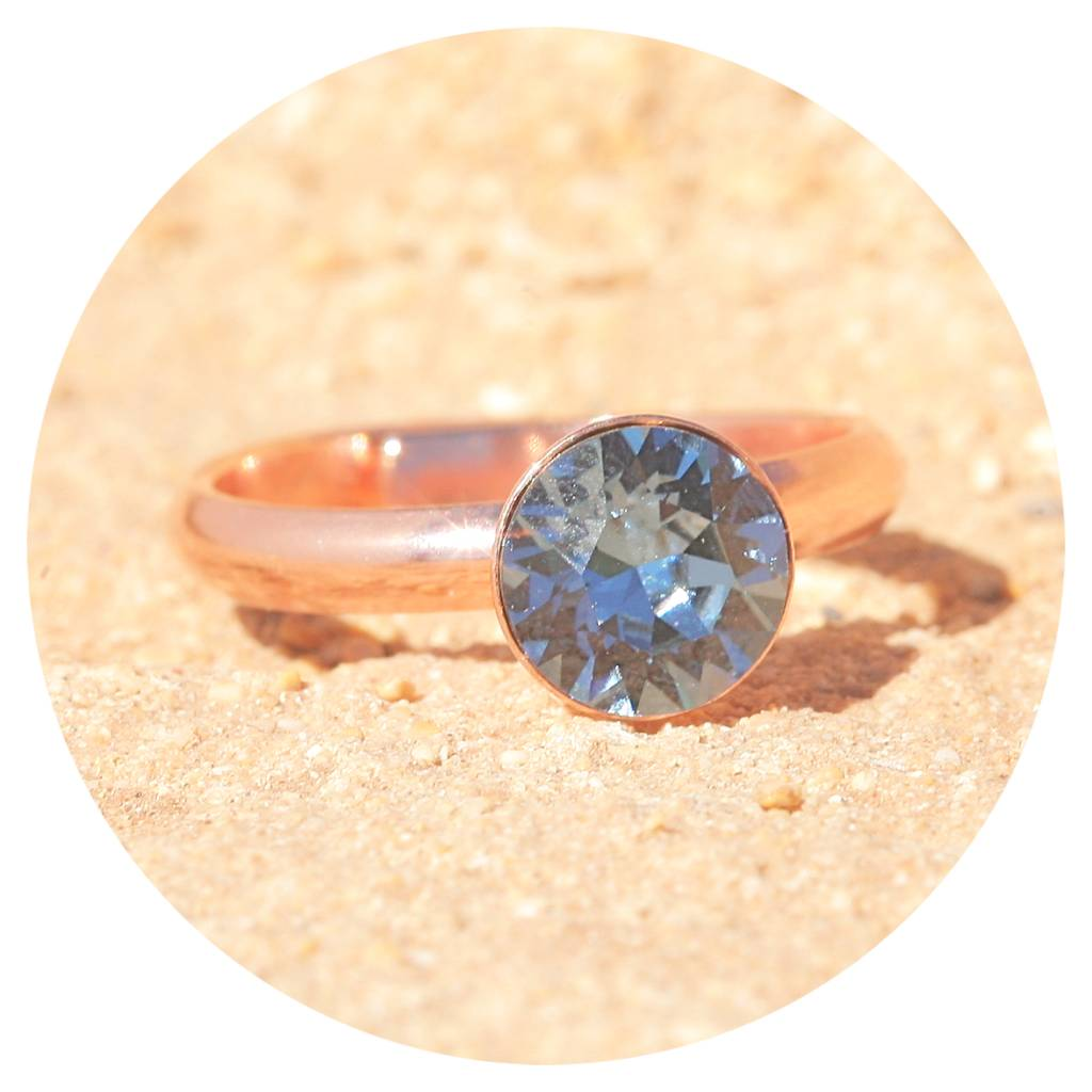 artjany Ring mit einem crystal in denim blue