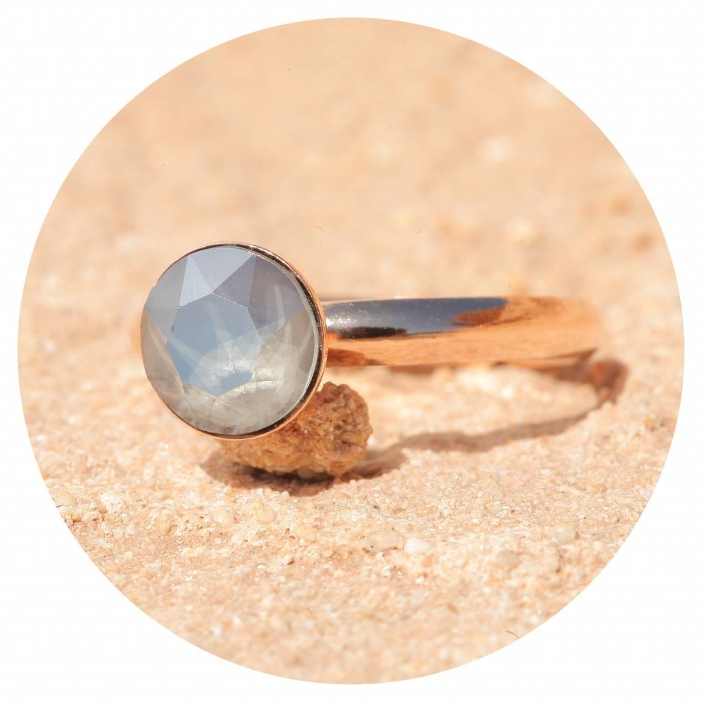 artjany Ring mit einem crystal in royal grey