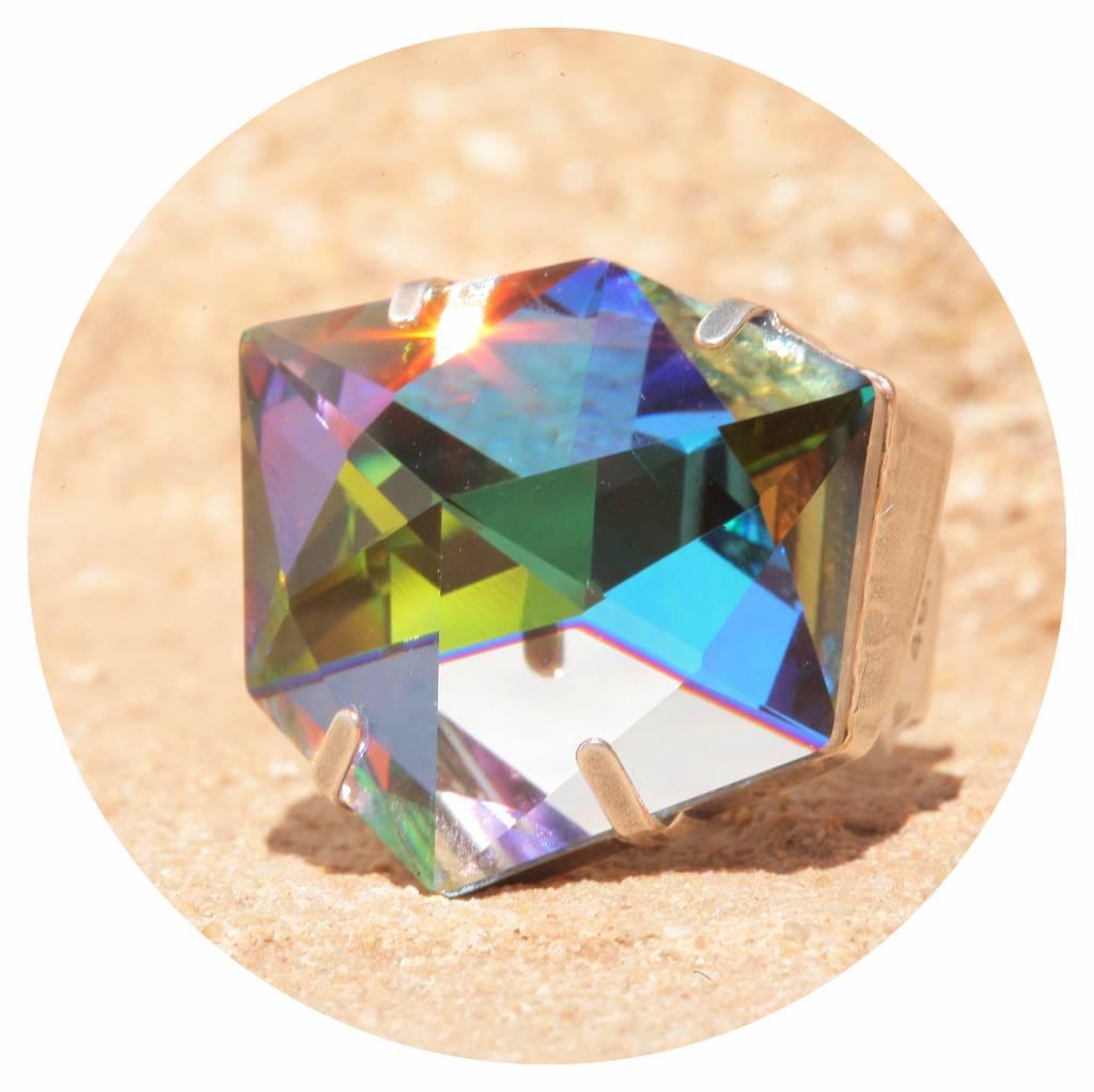 artjany Ring mit einem crystal designed by Chris Bangle in sahara