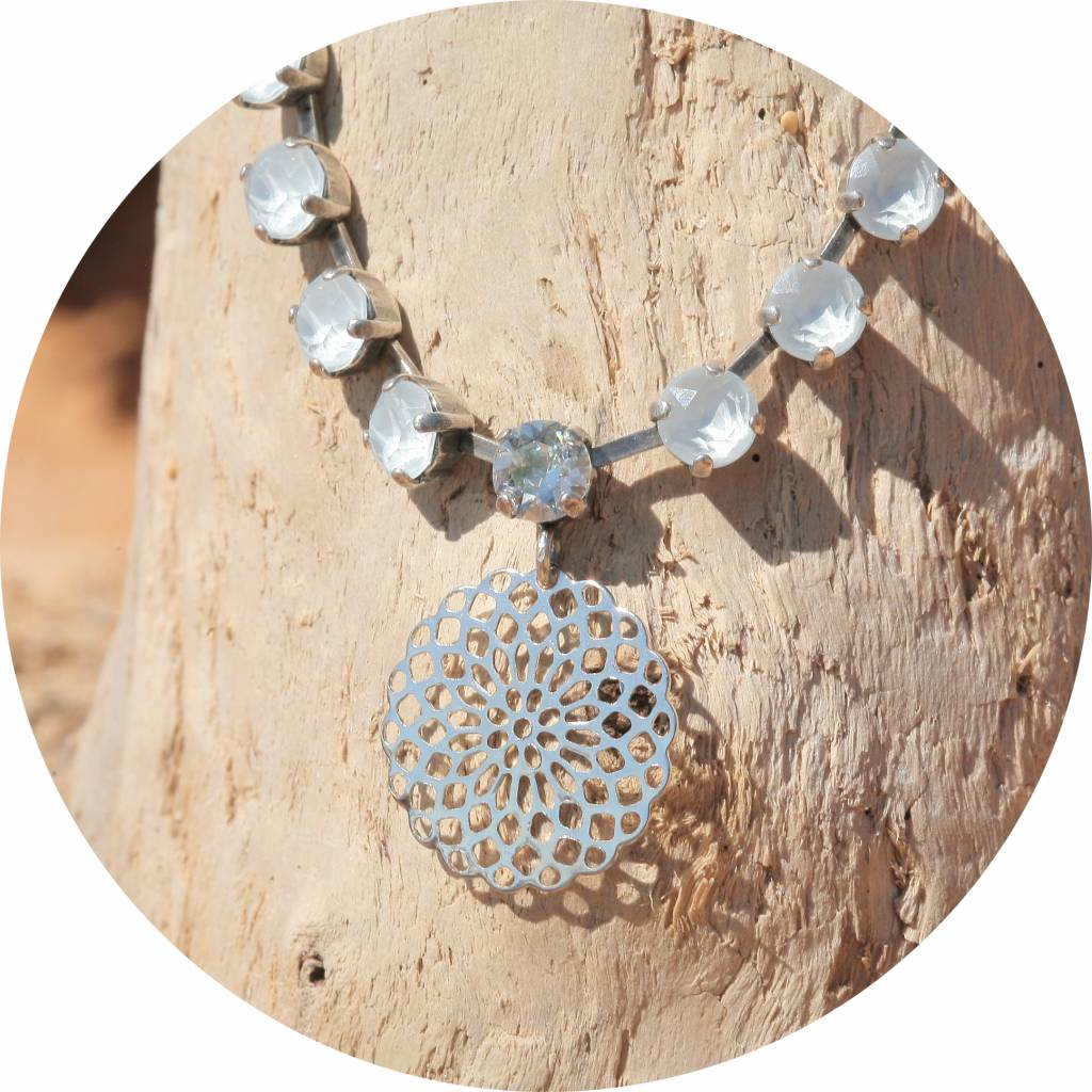 artjany Mandala Collier mit crystals in powder blue mix