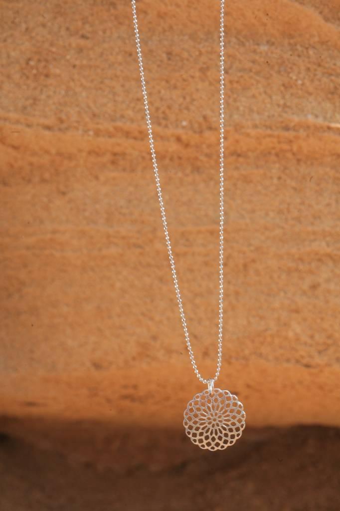 artjany Halskette mit einem Mandala