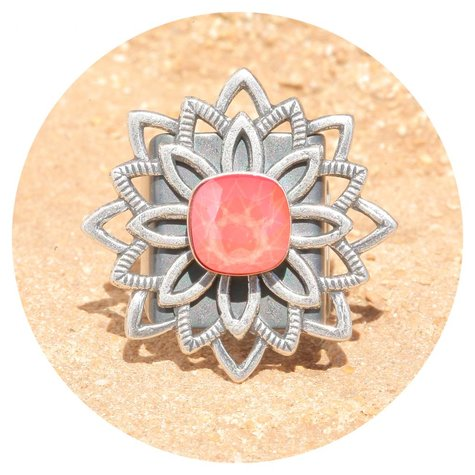 artjany Mandala Ring mit einem Kristall in light coral
