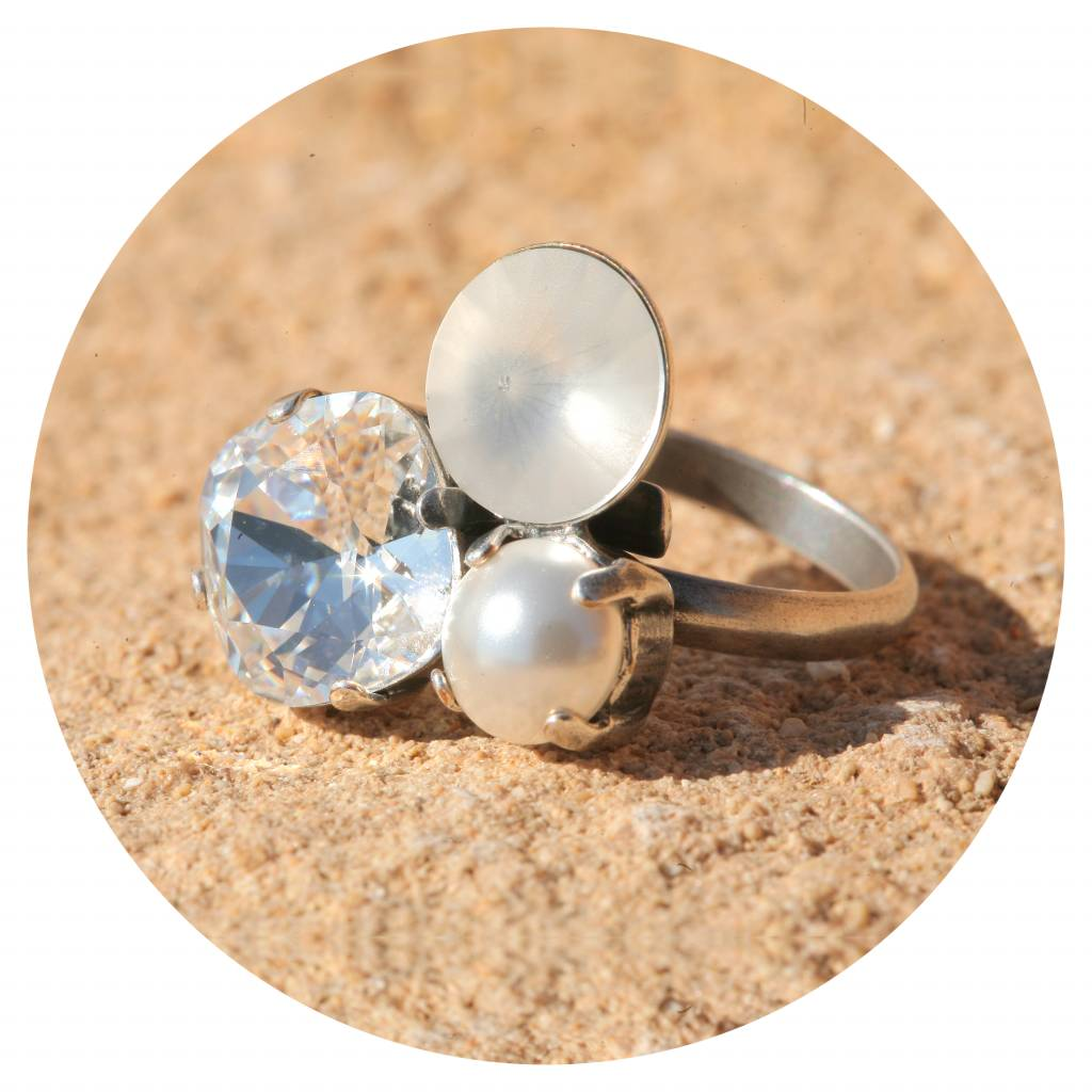 artjany Ring mit crystals in white pearl mix