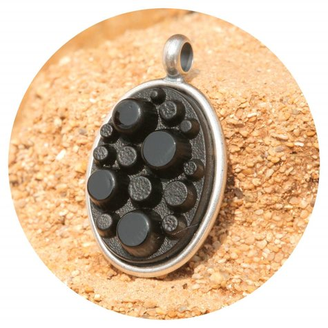 artjany Anhänger mit einem Vintage Stein in schwarz