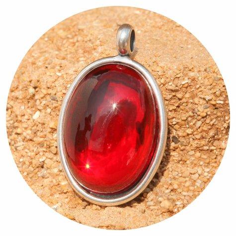 artjany Anhänger mit einem ovalen Cabochon in siam rot
