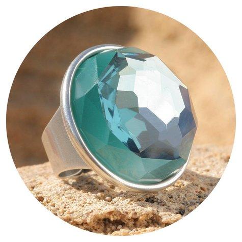 artjany xxl Ring mit einem aquamarine farbenen Kristall