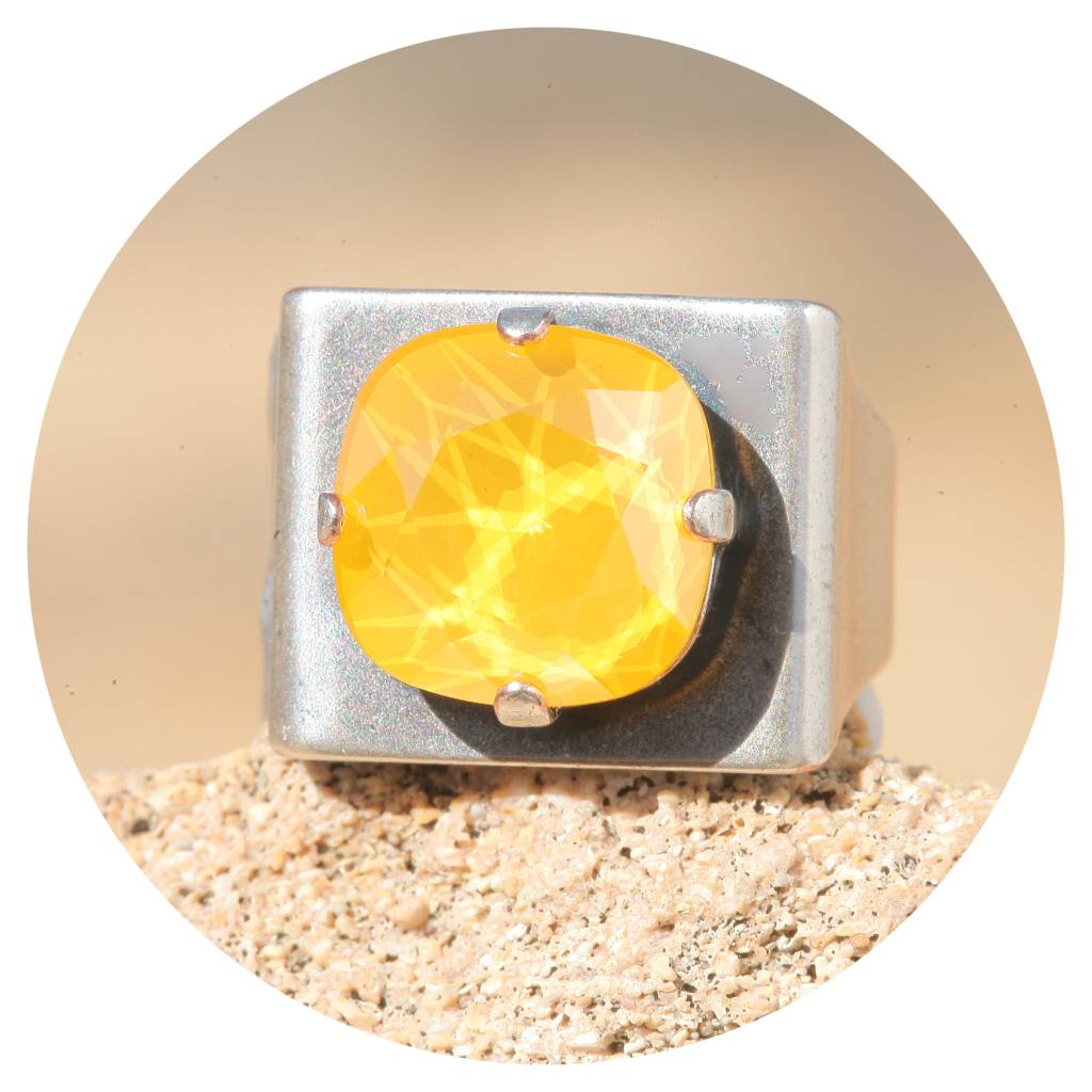 artjany Ring mit einem crystal in buttercup