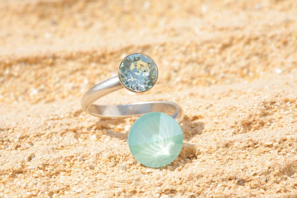 artjany Ring mit crystals in mint green & crysolite