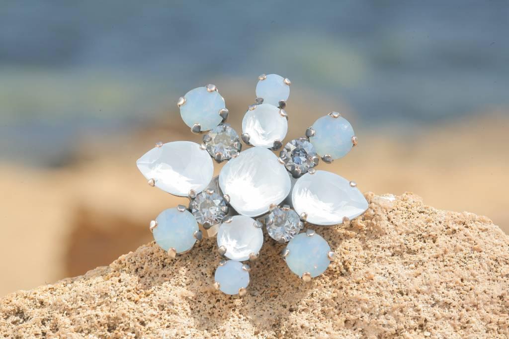 artjany Ring mit crystals in powder blue &  air opal