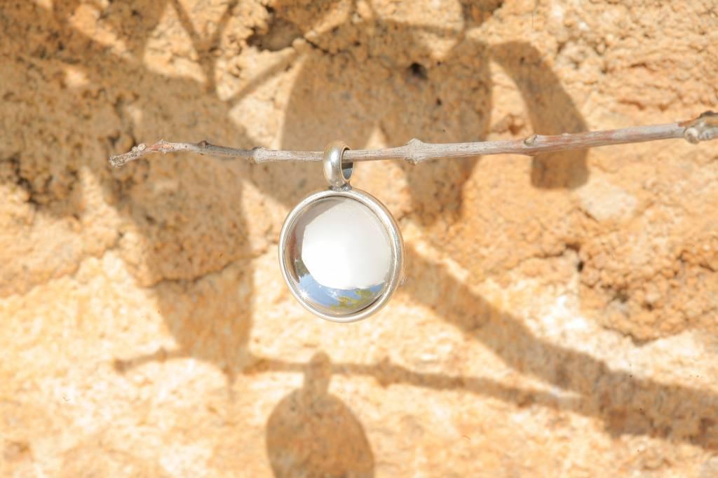 artjany Anhänger mit einem Cabochon in crystal
