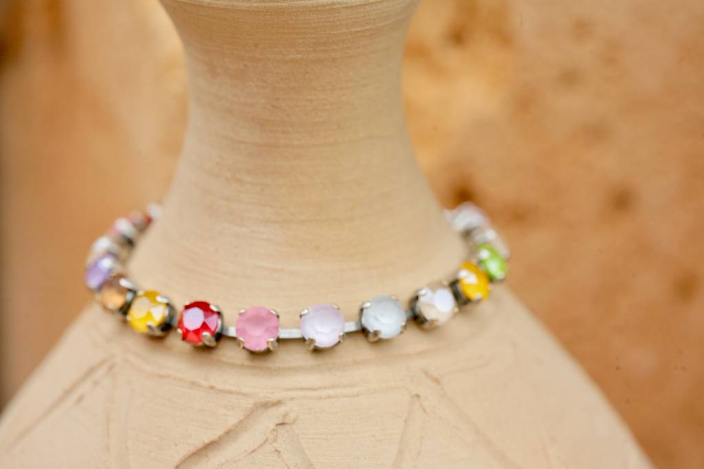 artjany Armband mit Kristallen im Neo Bunt Mix