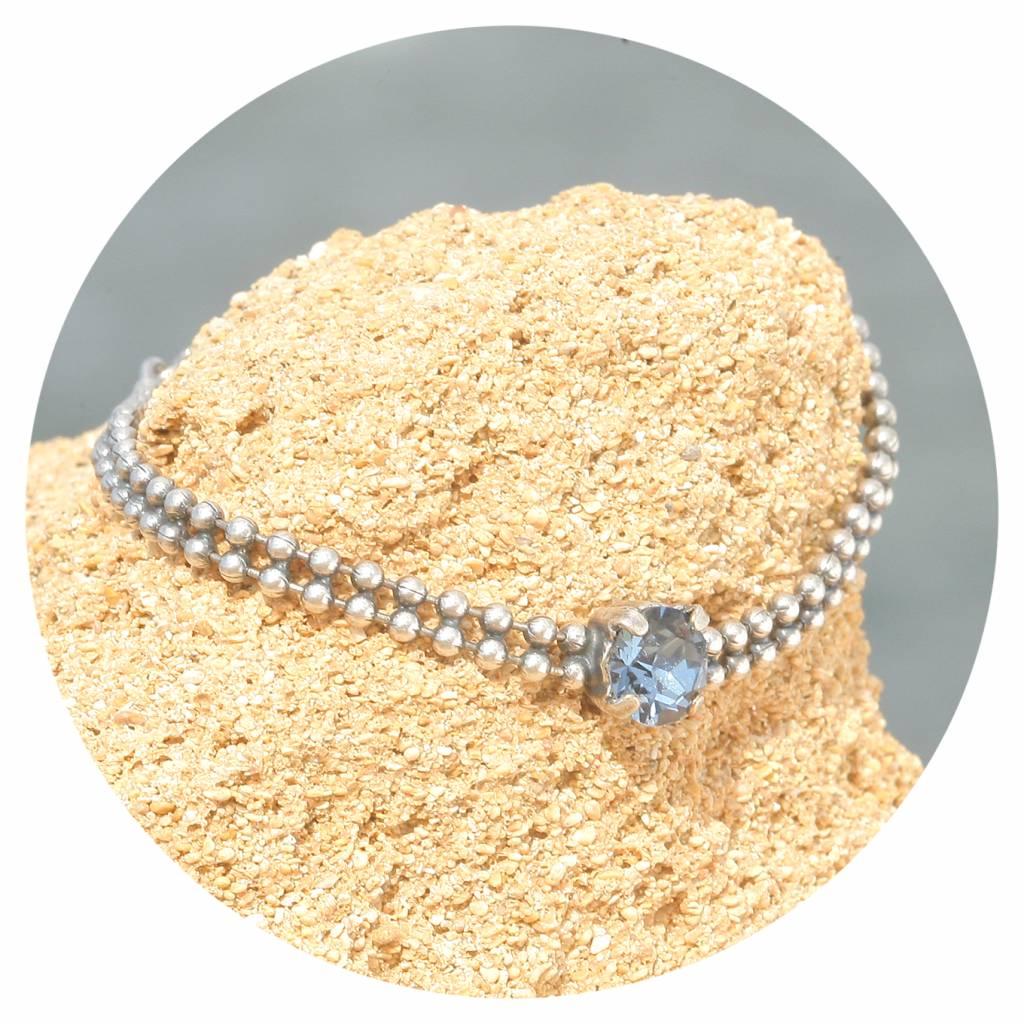 artjany Armband mit einem Kristall in denim blue