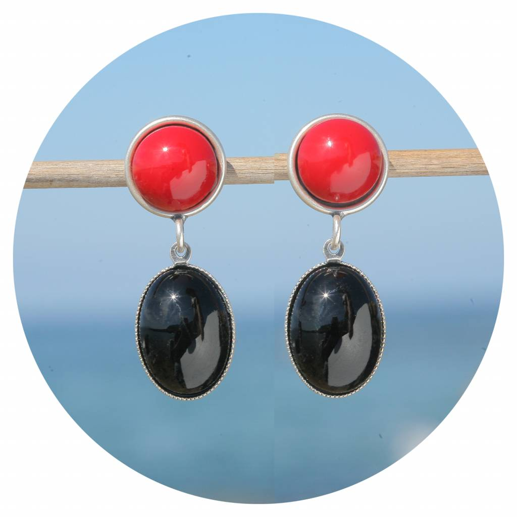 artjany Ohrstecker mit Cabochons in jet und coral red