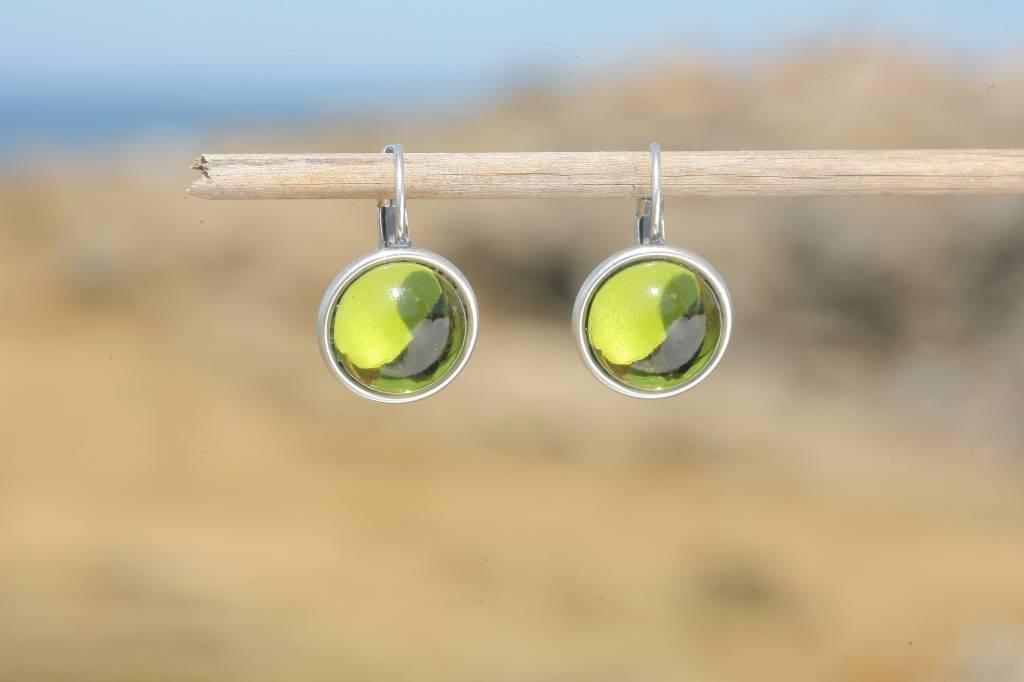 artjany Ohrhänger mit Cabochons in olivin grün
