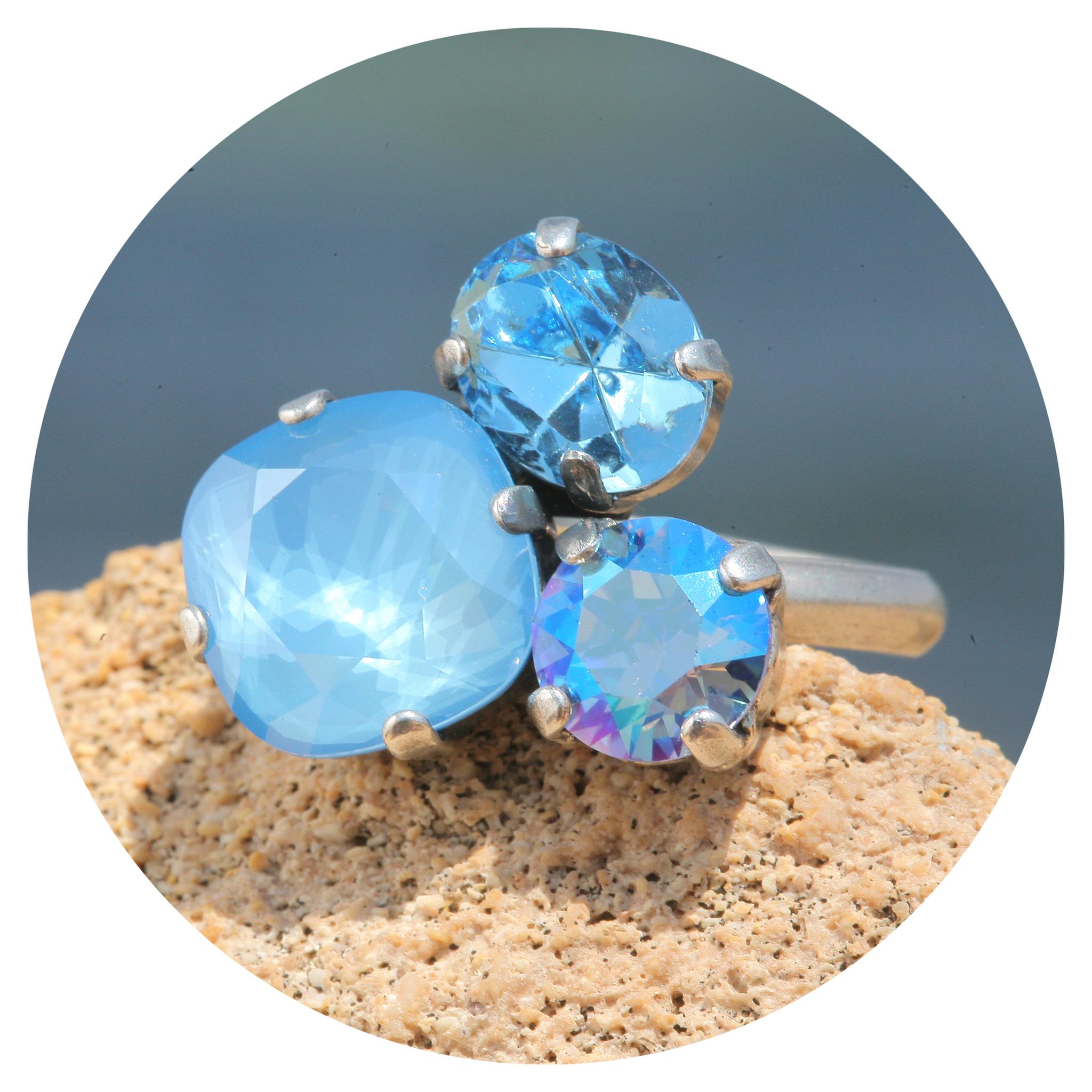 artjany Ring mit Kristallen im glitter blue mix