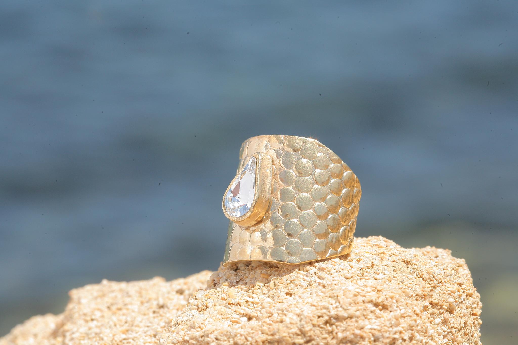artjany goldener Ring in crystal