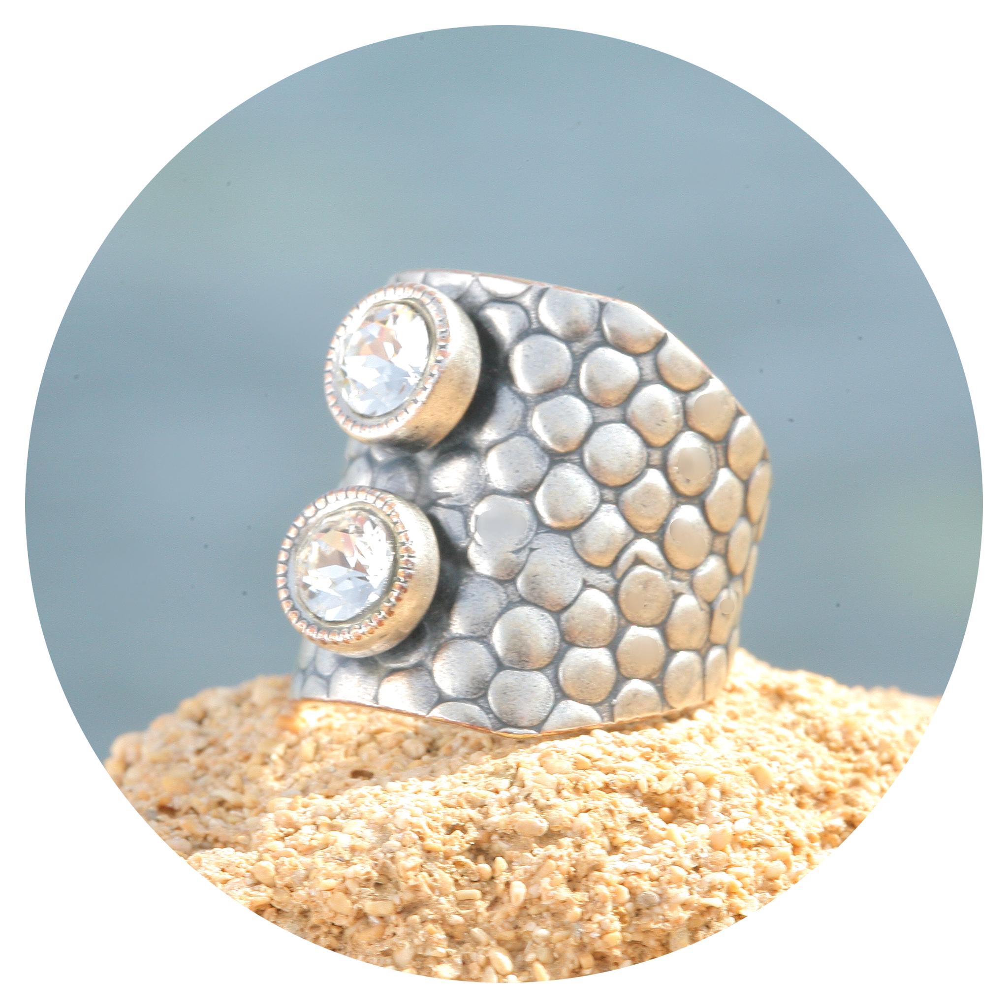 artjany Ring in crystal