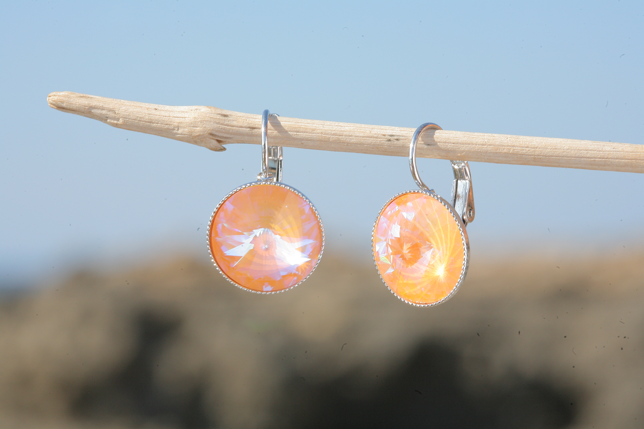 artjany Ohrhänger mit Kristallen in peach deLite