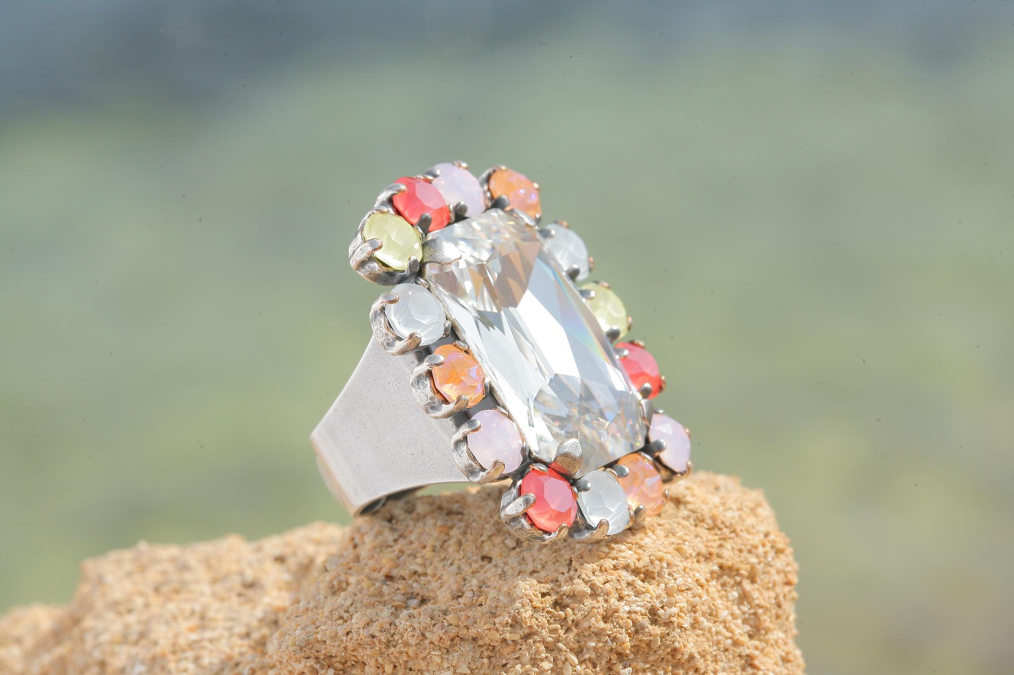 artjany Ring mit Kristallen von Swarovski in bunt mix