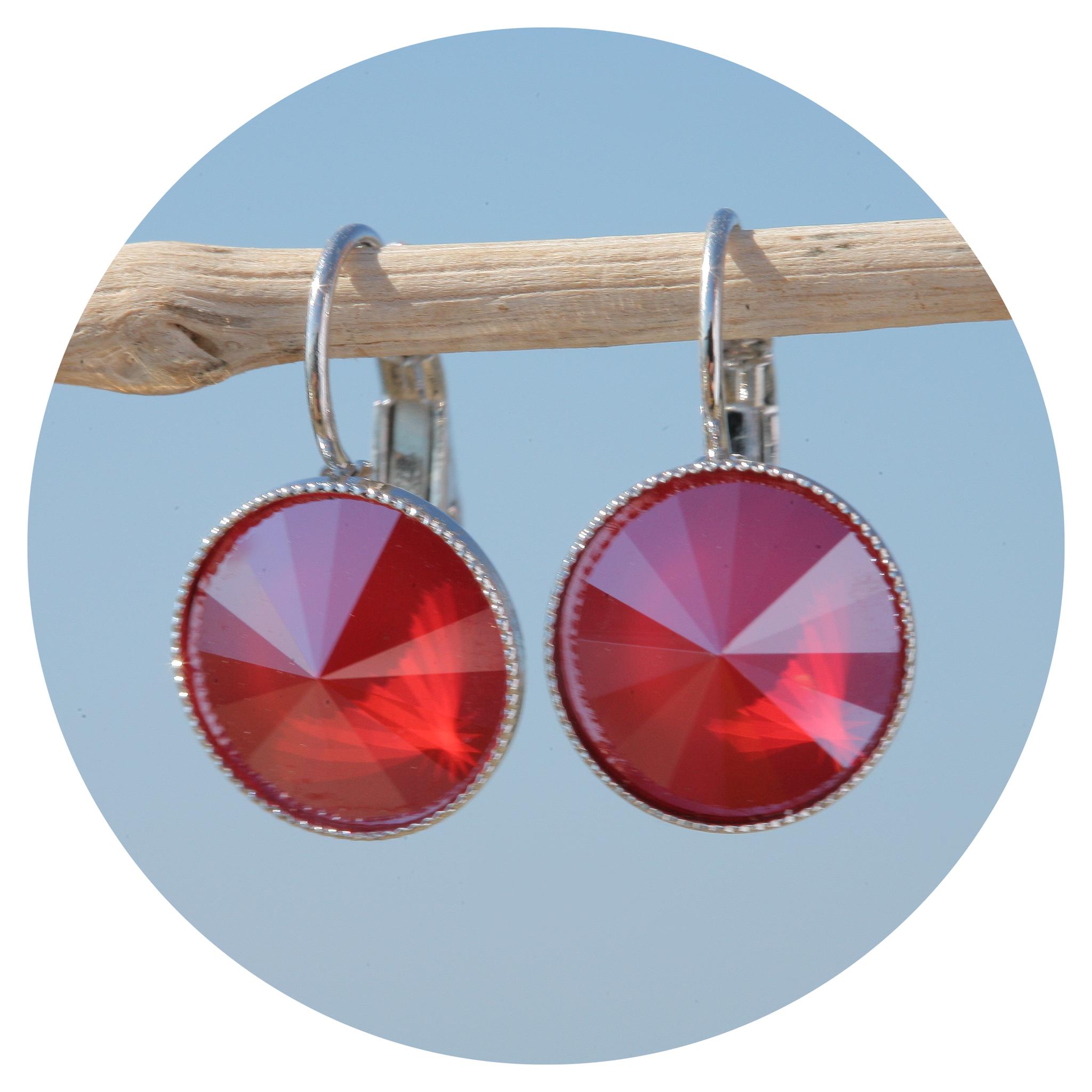 artjany Ohrhänger mit Kristallen in royal red
