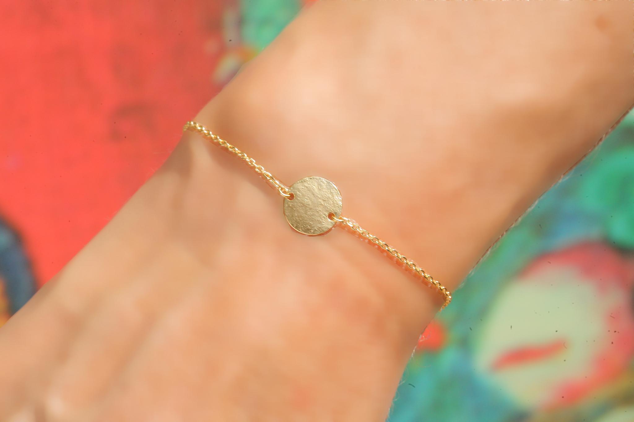 artjany vergoldetes  Armband  mit einem Plättchen