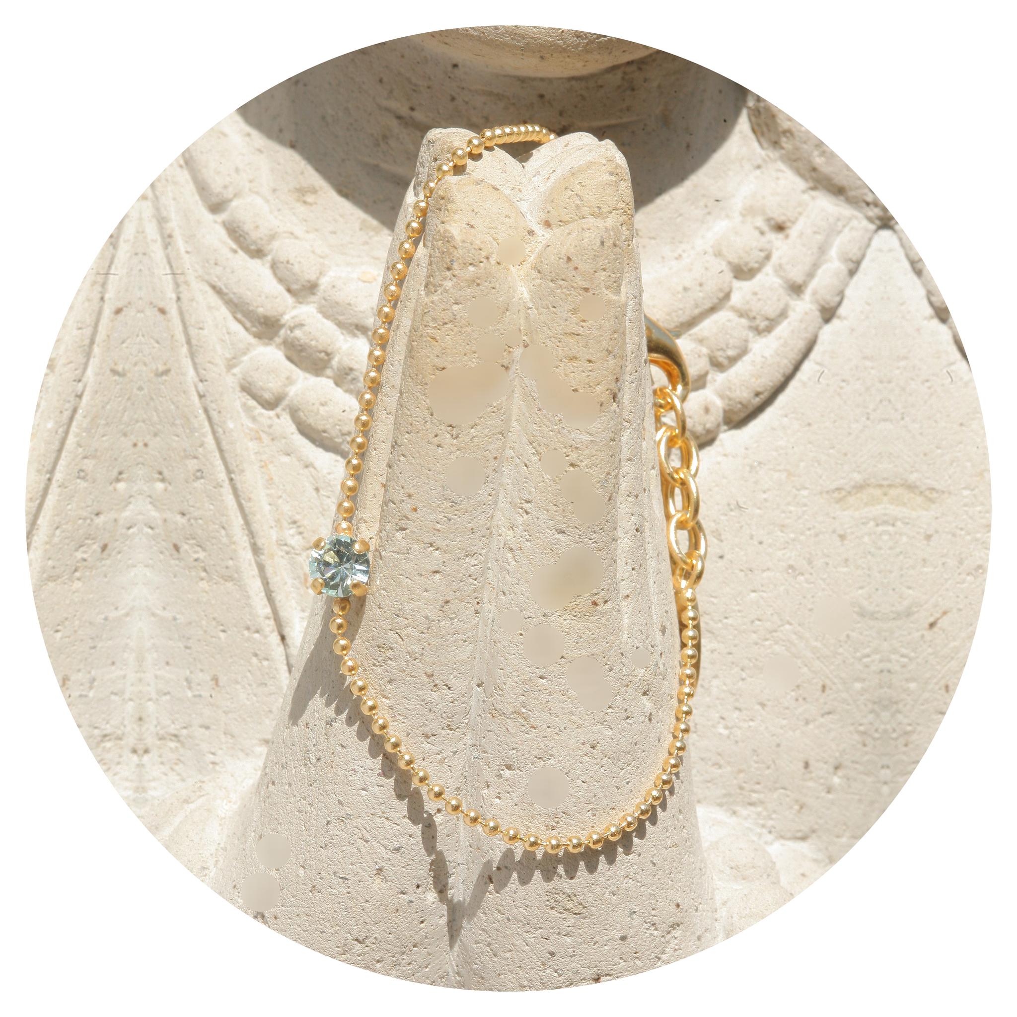 artjany vergoldetes  Armband  mit einem Swarovski Kristall