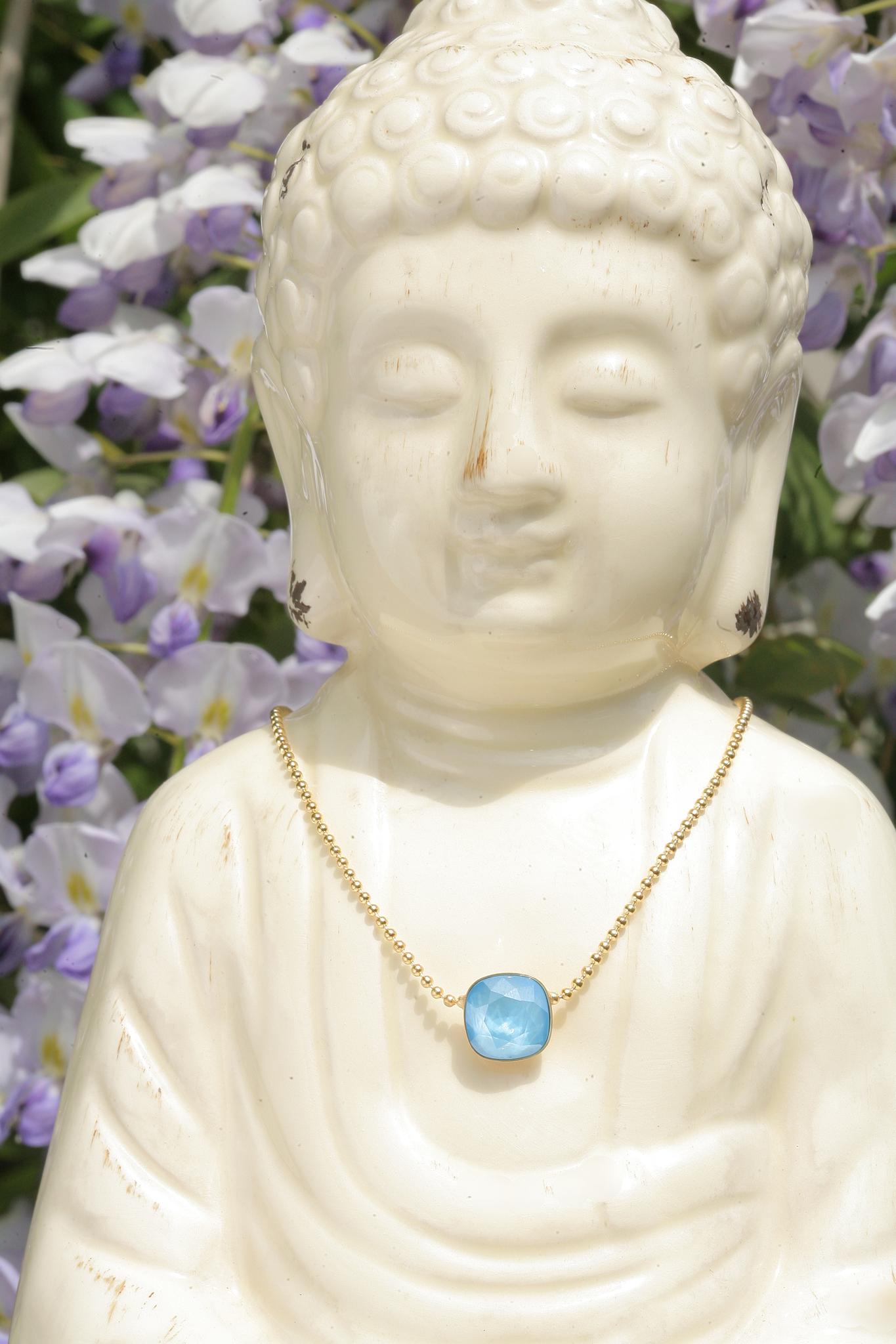 artjany Kette mit einem Kristall in summer blue
