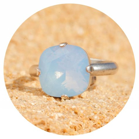 artjany Ring mit einem crystal von Swarovski in air opal