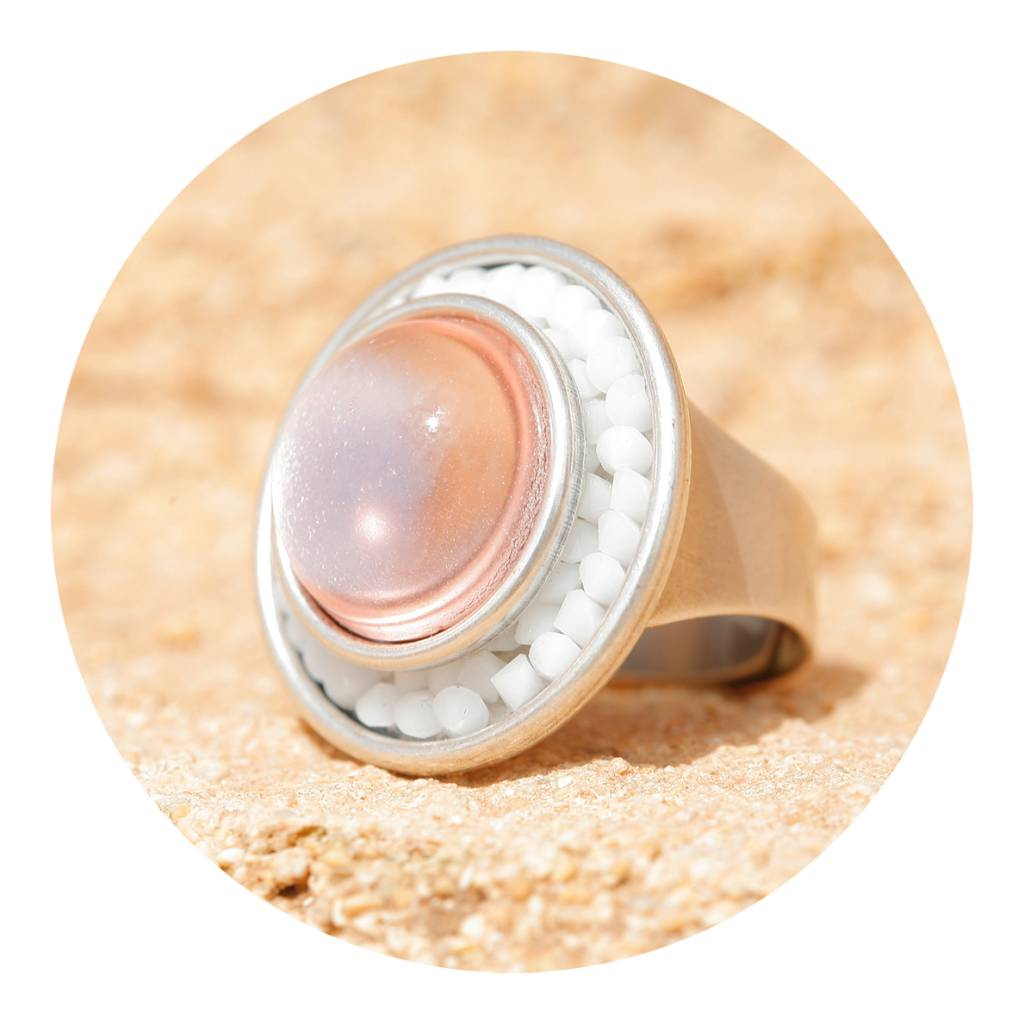 artjany Ring mit crystal & Cabochon in weiss rosé