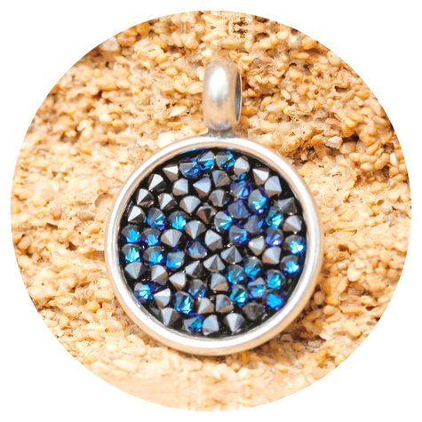 artjany Anhänger mit crystals in bermuda blue