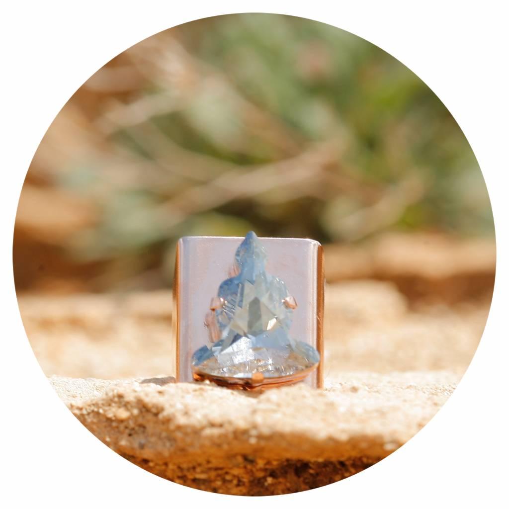 artjany Ring mit einem buddha in blue shade