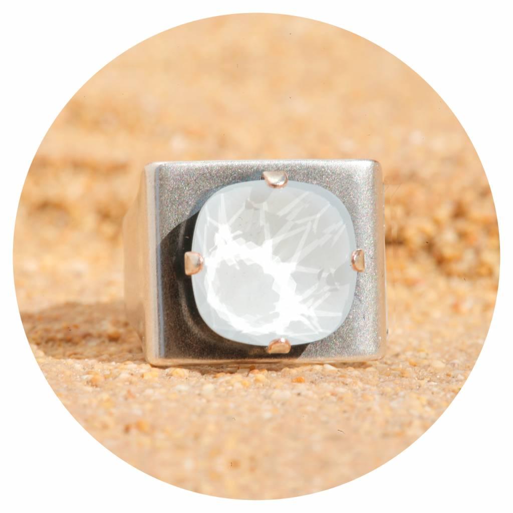 artjany Ring mit einem crystal in powder blue