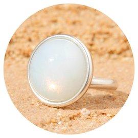 R-M1 white opal