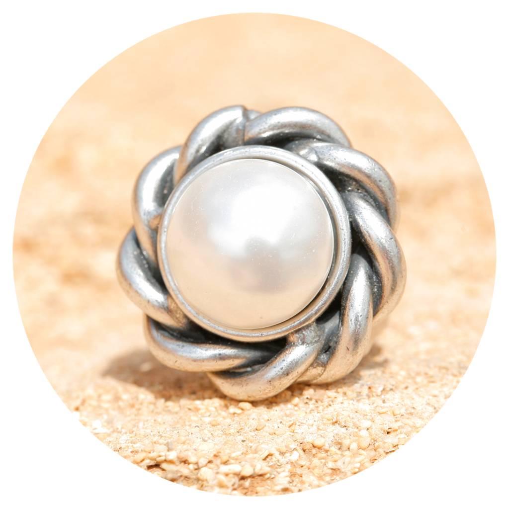 artjany Ring mit einer weissen Perle