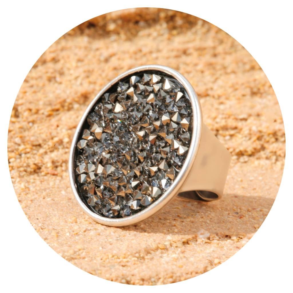 artjany Ring mit crystals rocks in light gold