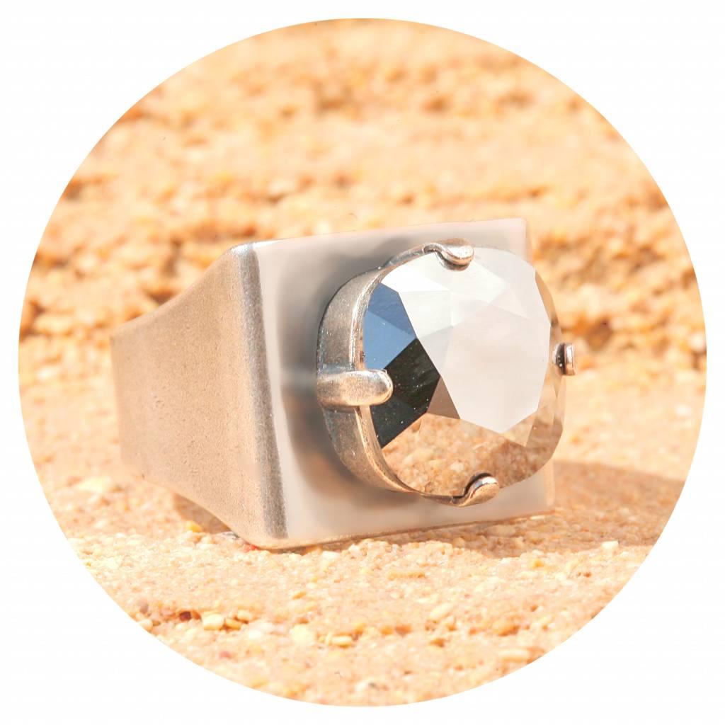 artjany Ring mit einem crystal in chrome