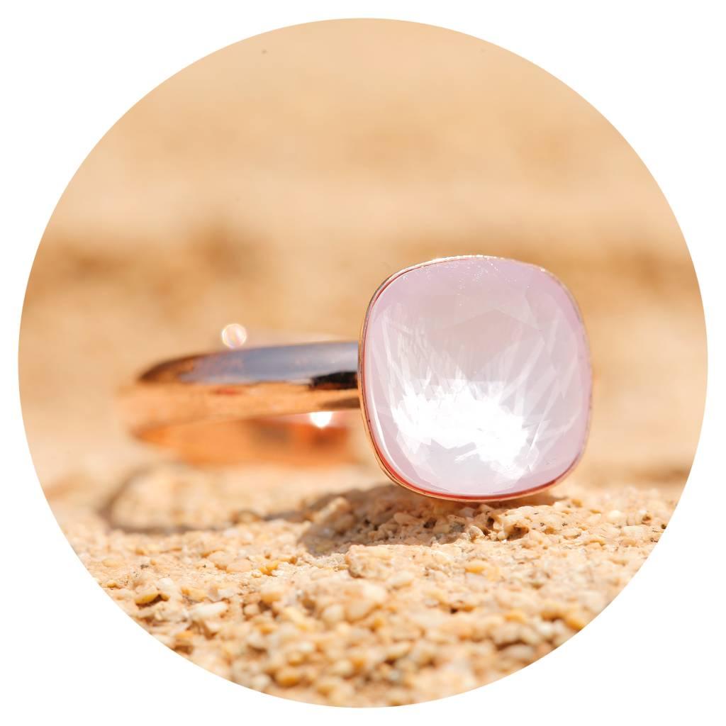 artjany Ring mit einem Kristall in powder rose
