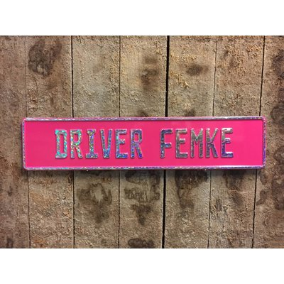Donker roze kentekenplaat met naam