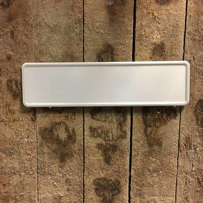 Witte midi kentekenplaat met naam 34x9cm