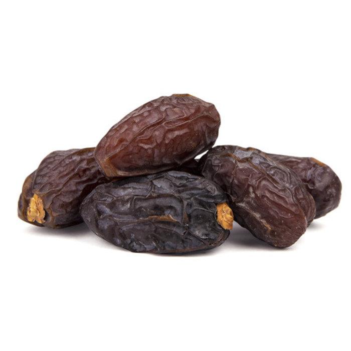 - - 52% Schokolade mit Pfefferminze, Schwarze Johanisbeere Muss Stücken, mit Datteln gesüßt. Vegan freundlich, Knusprige Textur, 60g