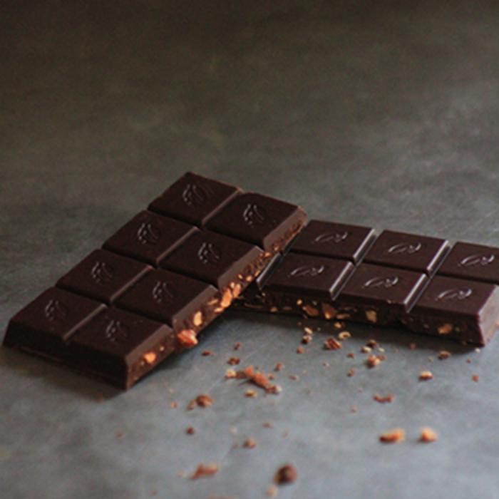 - Almendra,  70% Zartbitterschokolade, 50g